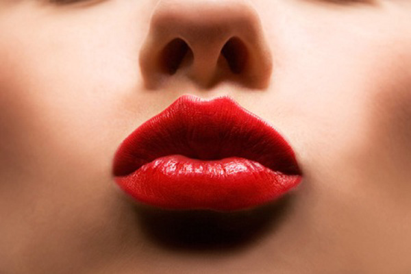 red-lips-woman-face-mouth-590jn011110-1263334423